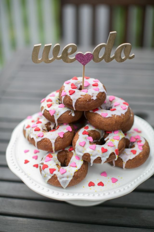 doughnut wedding cake