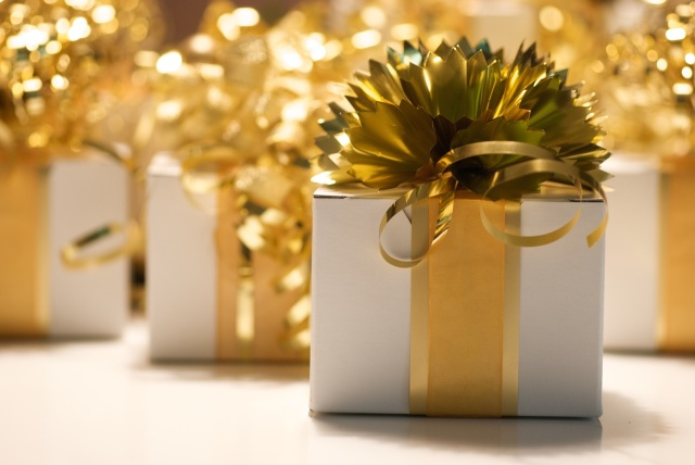 holiday party favor ideas