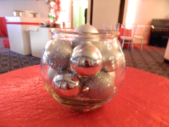holiday party centerpiece - silver ornaments